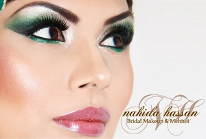 Green eye makeup look suitable for menhdi occasions or glam parties.