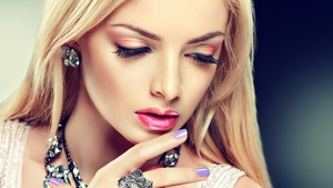 Found this on web, very simple n gorgeous pink & purple colors look <3