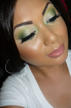 "St. Patty's Day look using Wet N Wild Trio in ""I Dream Of Greenie"""