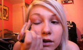 Pin-Up Eye Make-up Tutorial