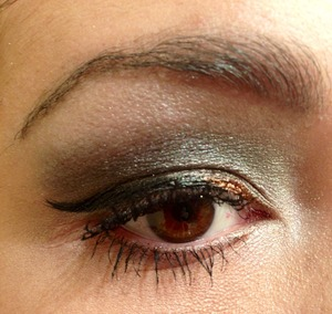 Smokey eye w/ a touch of gold liner