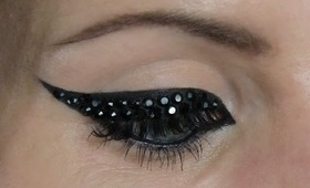 Something for the weekend... Crystal eye liner and bright lips