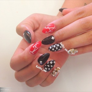 Black and white nails @kathy_mb