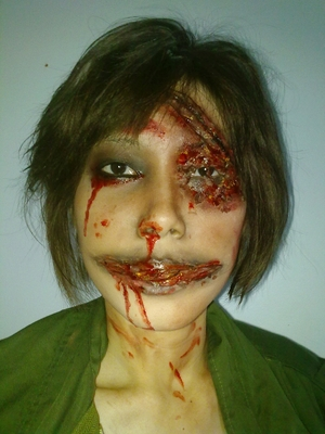 My scary concept with the silicone , i try to make up it like the real blood ><*