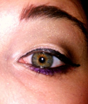 neutral eye with a touch of purple
