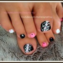 Hot Pink and Black Toenail Art Design
