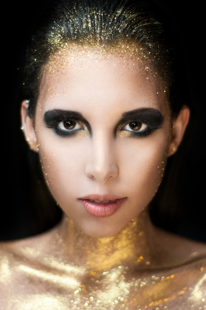 MUA: http://muamartini.blogspot.com/ Model: Mariale http://www.makeuplocalypse.com/ PHOTO: http://nataliafeliu.com/