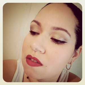 Red lips and a winged liner - classic!