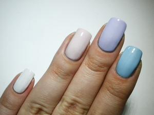 http://missbeautyaddict.blogspot.com/2012/04/31-day-challenge-inspired-by-color.html