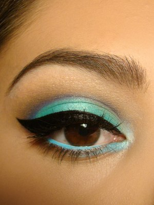 Used Coastal Scents Hot Pots in Vibrant Blue, Vibrant Blue Green, Aqua, Indigo, New Terrain, and Oatmeal Tan.