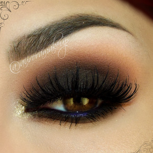 instagram @auroramakeup FB: https://www.facebook.com/AuroraAmorPorElMaquillaje  Brows have DIP BROW POMADE in EBONY and DARK BROWN by @anastasiabeverlyhills  Lifted Neutral Eye Primer with Firmitol by @tartecosmetics  Lashes are NOIR FAIRY by @houseoflashes  Jumbo pencil in DARK BROWN by @nyxcosmetics as base on mobile eyelid , waterline and below lower lashes  Eye Shadow in NAKED  #adaraparis by @housebeautymx covering all mobile eyelid and blending the edges, and below the lower lashes   Eye Shadow SIENNA to mark the crease  and ORANGE SODA as transition color and same process below lower lashes  , both into LAVISH palette  by @anastasiabeverlyhills  Pressed Eye Shadow in LIQUID by @motivescosmetics to highlight brow bone   Glitter powder in renaissance by @lasplashcosmetics into inner corner  Gel Eyeliner in AMETHYST by @motivescosmetics in the middle of waterline  Lala Mineral Volumizing and Lengthening mascara in BLACK by  @motivescosmetics