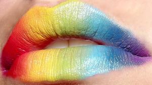 http://zeeto0.blogspot.com/2012/07/rainbow-lips.html