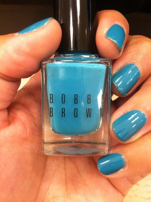 Turquoise nailpolish from Bobbi Brown
