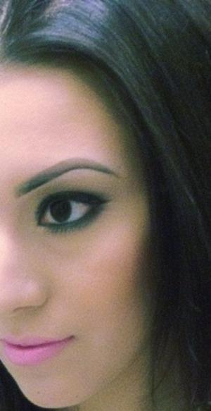 Smokey eyeshadow and no false lashes