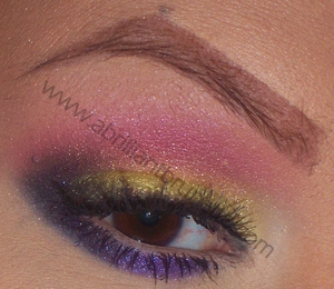 http://www.abrilliantbrunette.com/2012/03/bright-and-smokey-eyes-yellow-pink-and.html
