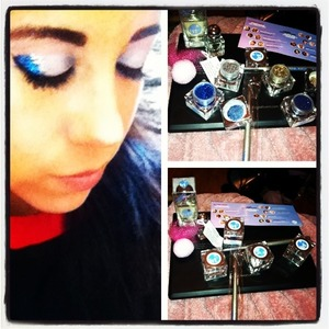 Imats I discovered lit cosmetics and fell totally in love with there glitter eyeshadows. Fun look to create using matte white eye shadow with lits silver and blue glitter loose pigment