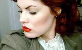 Vintage Hair Tutorial - Romantic Waves