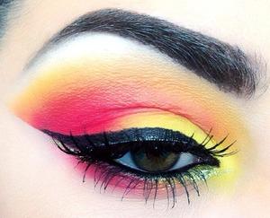 Follow me on instagram for more looks @makeupmonsterkiki!!