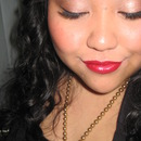 Bronzed look with red lips!