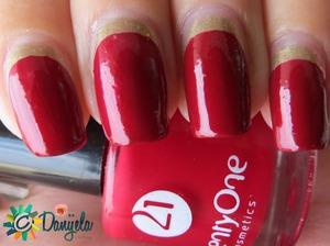 http://bydanijela.blogspot.com/2013/09/on-sunday-were-matching-manicures.html