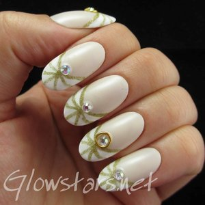 Read the blog post at http://glowstars.net/lacquer-obsession/2014/07/your-heart-is-like-a-dough-you-shape-it-how-you-want/