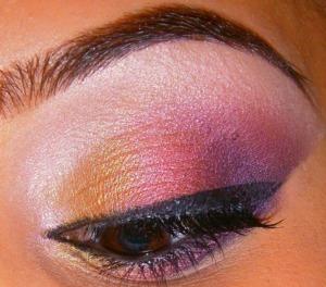 http://smokincolour.blogspot.com/2013/02/soft-purple-smokey-eye-using-mac-shadows.html