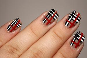 Freehand Burberry design.   http://iloveprettycolours.blogspot.com/2011/11/31-day-challenge-day-twelve-stripes.html
