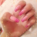 Nails Of The Day : Sparkly Ombre Nails :)