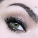 "MARC JACOBS ""The Lolita"" soft smoky eye makeup"