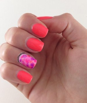 https://www.youtube.com/watch?v=TcpTAiAn2tY lslfun.blogspot.com Gel polish mabling technique. Colors on ring finger are Gelish-Tahiti Hottie, Rockin' the Reef and Pacific Sunset. Base Gelish Arctic freeze.