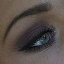 Burgundy smokey eyes