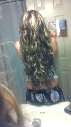 just finished curling my hair with the Curling Wand (: