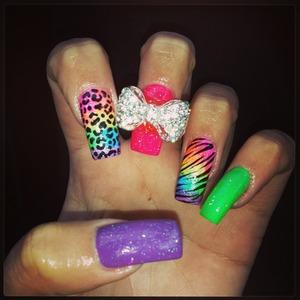 Sponge effect multi coloured zebra & leopard print, big diamonte bows, purple, pink & green glitter :) LOVE