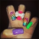 Funky bow nails