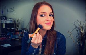 Everyday Neutral Eye Makeup Routine Tutorial... http://gladazzle.com/tutorials/makeup-tutorials/everyday-neutral-eye-makeup-routine-tutorial