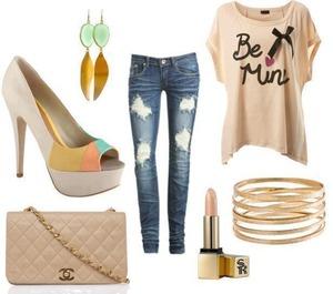 Love the heels !!