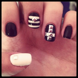 #studs #nails #cross #stripes #black #white #gelish