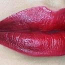 Trend - red cherry lips