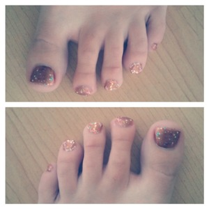 some brown sparkly toenails. i hade brown open toe shoes