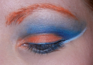 Opposites attract  (blue & orange)