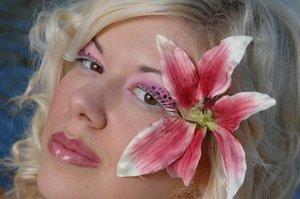 Makeup: Amy Orona