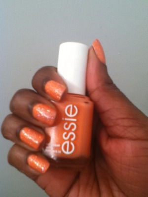I'm wearing Essie's Tart Deco with OPI's Teenage Dream on top =)