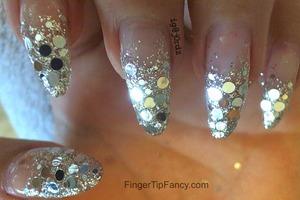 DETAILS HERE - http://fingertipfancy.com/silver-hologram-ombre-nails-2