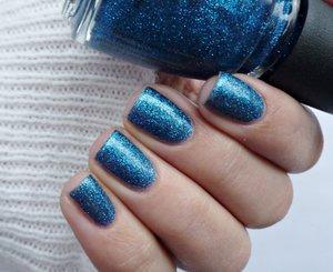http://malykoutekkrasy.blogspot.cz/2014/11/china-glaze-vanocni-kolekce-twinkle-2014.html