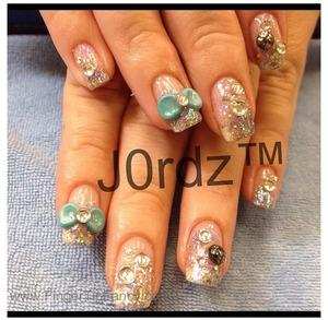 http://fingertipfancy.com/turquoise-bow