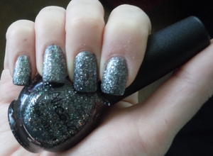 Nicole by OPI Kardashian Collection Follow Me On Glitter
