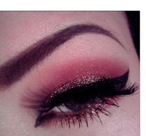 Love the emphasis on the eyeliner!