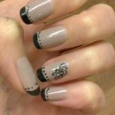 black & mushroomy colour French manicure