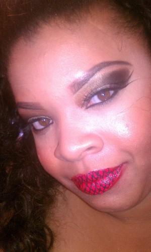 """Violent Lip Tattoo"" in red lace"
