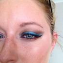 Torquoise & brown eye make up